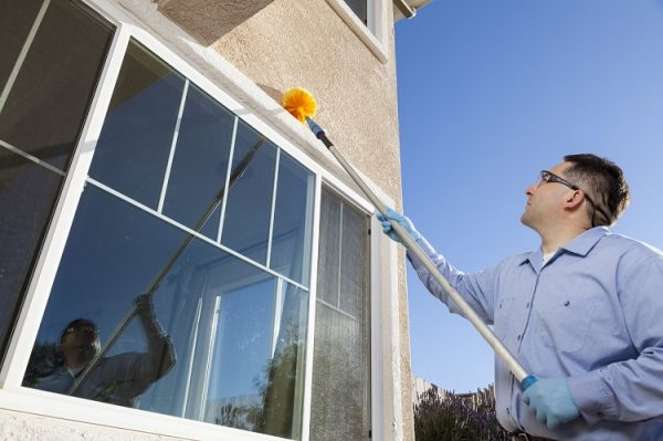 5 Tips To Find Good Window Cleaners For Real Estate Properties